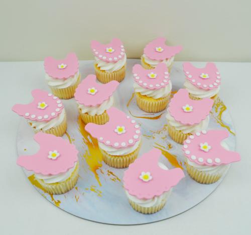 bib cupcakes