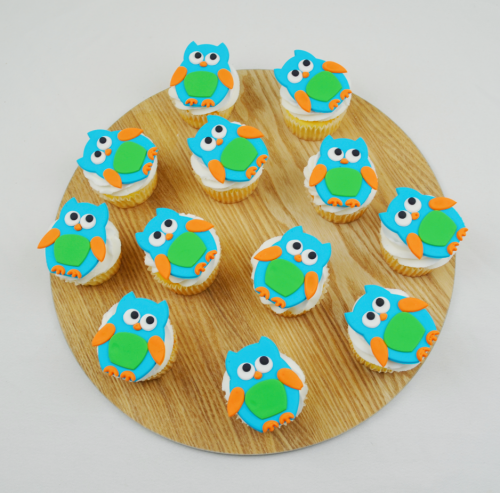 blue owl cupcakes