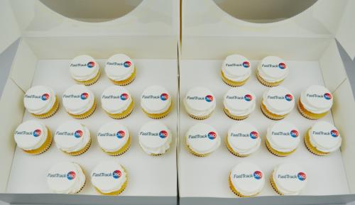 Cupcakes - CC400 Logo cupcakes